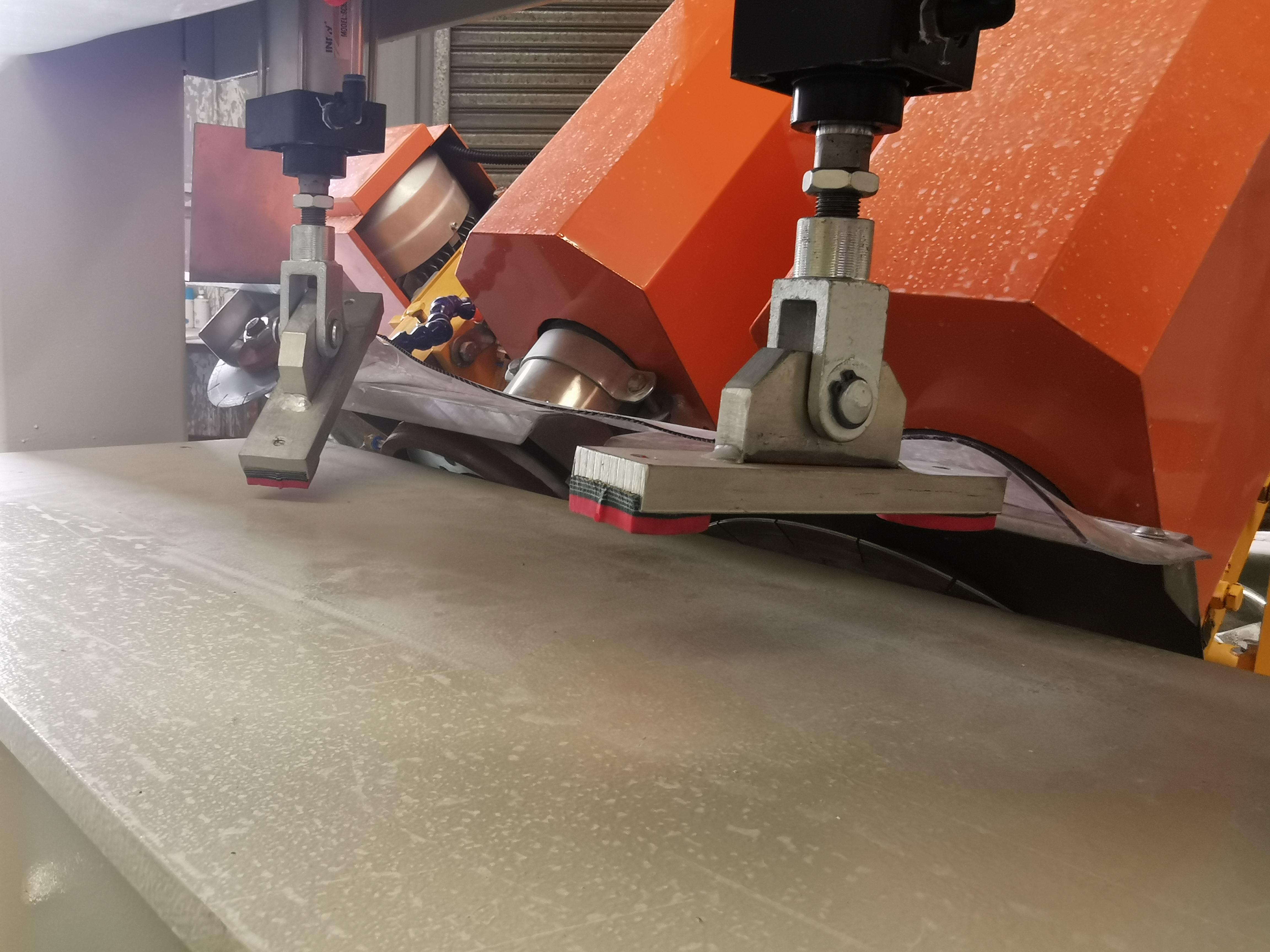 岩板倒角机改款型 实现倒角切割加边角开槽 让技术改变生活