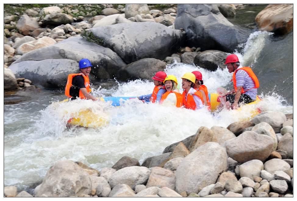 尧山漂流一日游大峡谷漂流 尧山天河 尧山漂流 第一漂 支持团队游