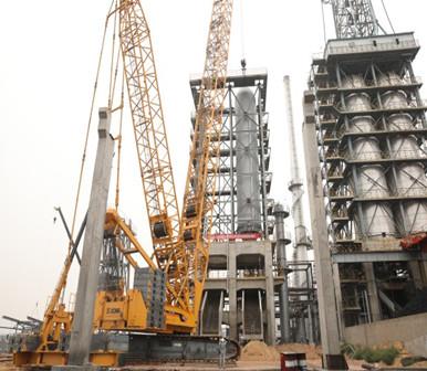 m6米乐app能源公司两台百余吨重焦炭塔一次吊装成功