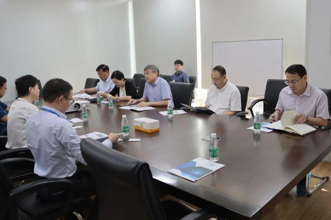 合肥市常務副市長王文松一行蒞臨芯碁微裝考察調研