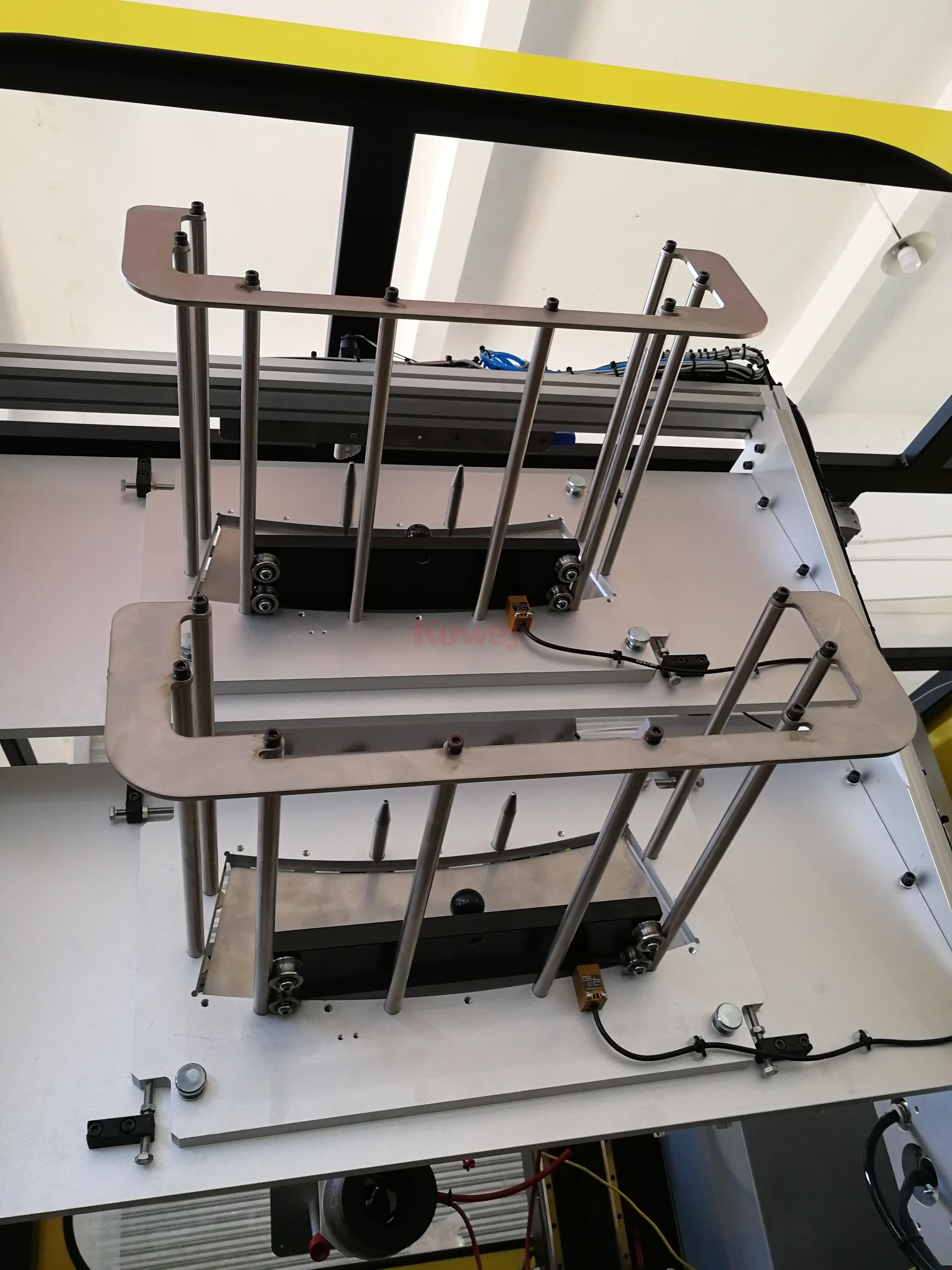 机械手治具-注塑自动化-侧入式模内贴供标治具