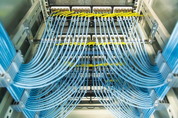 五月天小说線纜完善的檢測機製