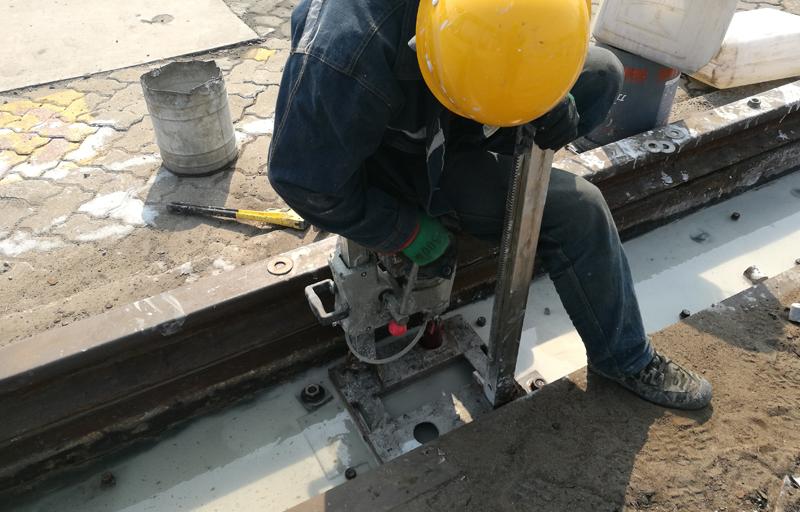 混凝土基础钻孔