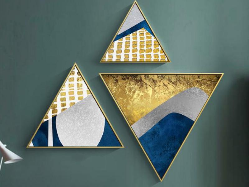 《三角组合画》