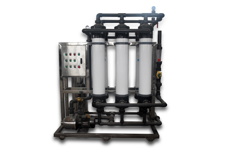 原水經預處理工段處理后.進入RO系統的水