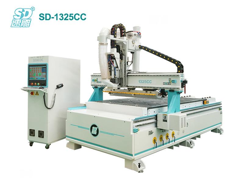 跟随式直排换刀加工中心 SD-1325CC