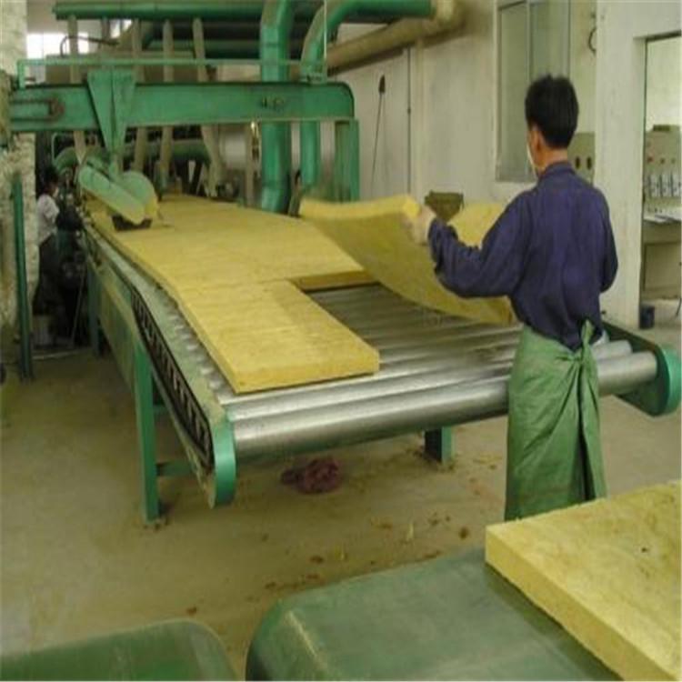岩棉板是什么材料做成的