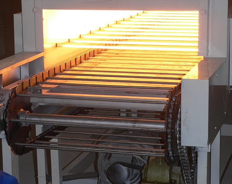 应用于喷涂行业链式烘道上的红外辐射加热管1