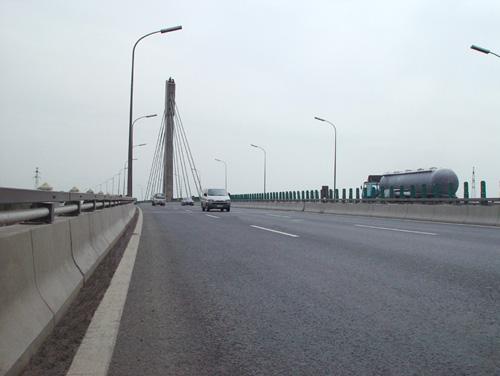 北京市石景山南高架转体斜拉桥防水工程