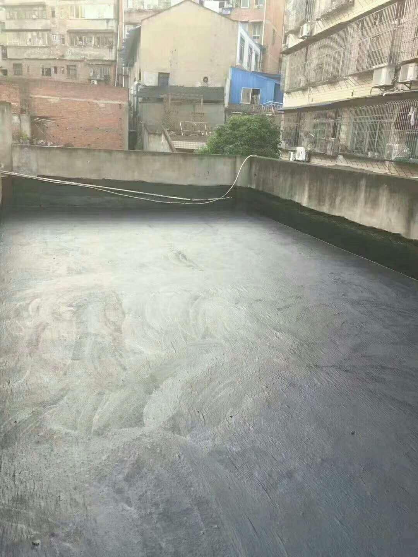 雨季已到,雨量大而频繁,楼面如何选择防水涂料做好防水措施?
